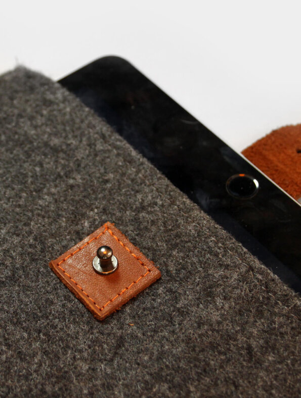 Funda Ipad Charcoal | Designed by Jueves™ Handmade Goods
